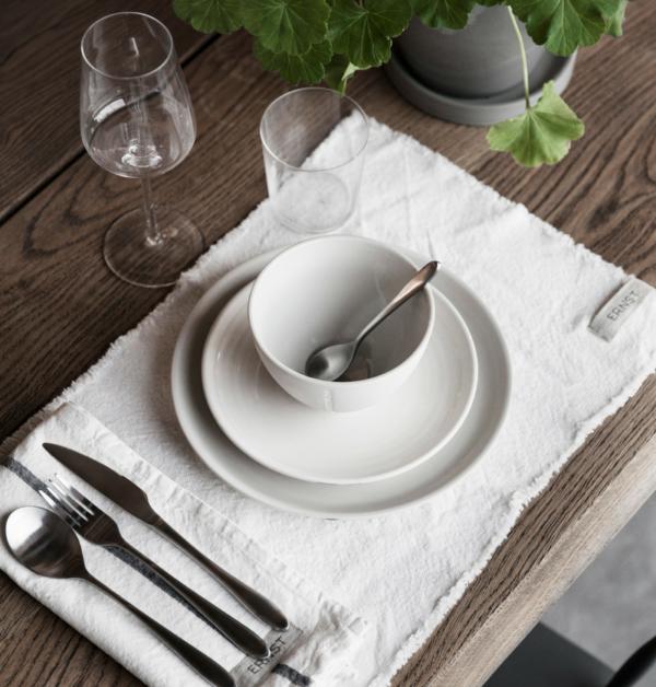 Ernst miljö bild fransade bordstabletter