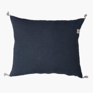 Mörkblå kuddfodral i linne med toffs 50x60cm-ernst
