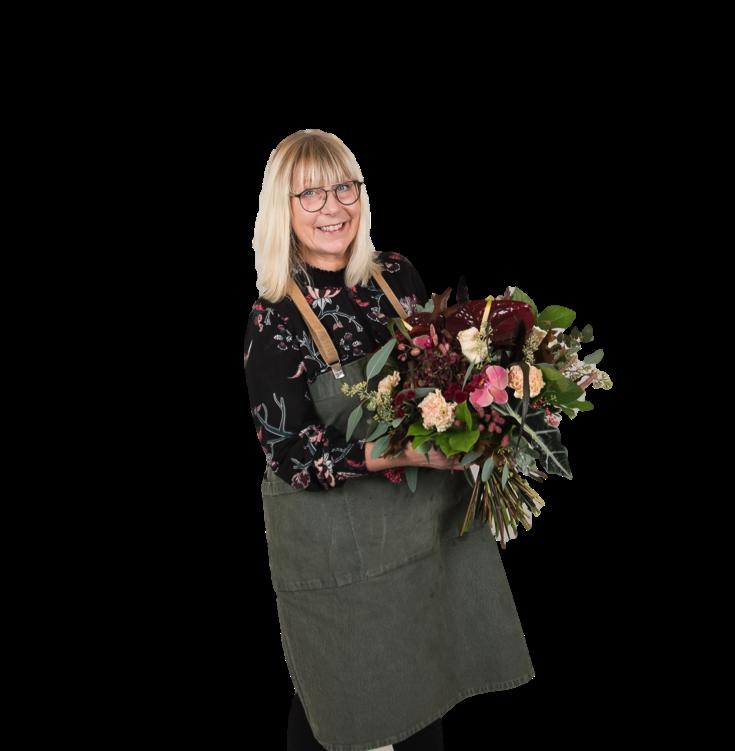 Jag heter Marie Ekelund och driver Nilssons Blommor i Nässjö sedan 2010. Jag älskar verkligen mitt yrke och att få skapa och ge er den allra bästa servicen i en inspirerande blomstermiljö ger mig så mycket energi varje dag! Att ta steget och öppna en webbshop och en blogg är något som funnits i mina tankar länge. Jag ser verkligen fram emot att få dela med mig av det jag brinner för på ett nytt sätt och hoppas att du kommer känna dig välkommen och inspirerad.