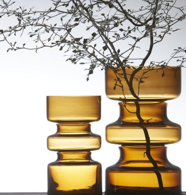 senpasgula vaser perfekt som inredning och dekoration i hostmorkret