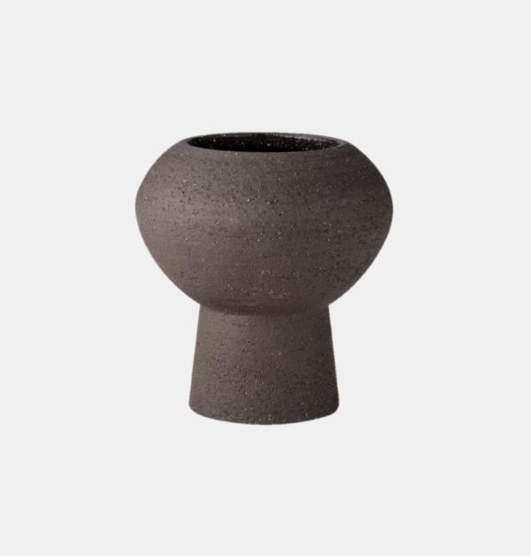 vacker brun stengodsvas fran ernst design