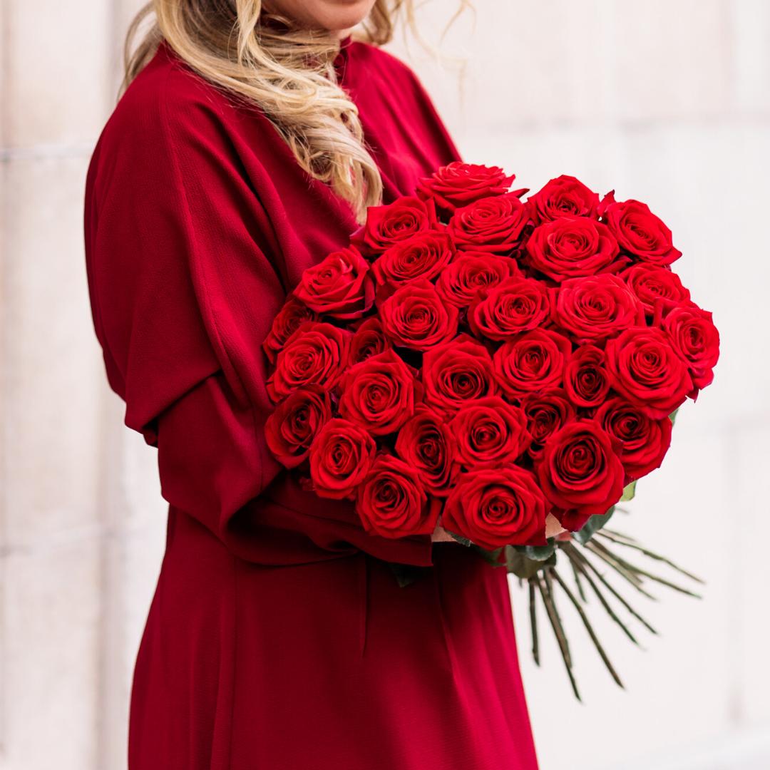 Handla och bestall blomsterbud valj pa massor av fina blommor och buketter hos Nilssons blommor
